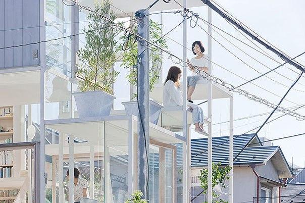 Прозорий стікляний будинок у Японії