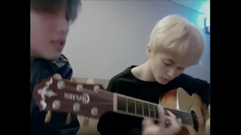 시즈니이이이   마크형과 같이 기타치면서 부른 노래에요.  역사가 있는, 연습생부터 자주 불렀던 노래인데 꼭 들려주고 싶어서 찍었어요 많이 들어줘요!!   Fullsun NCT NCT127