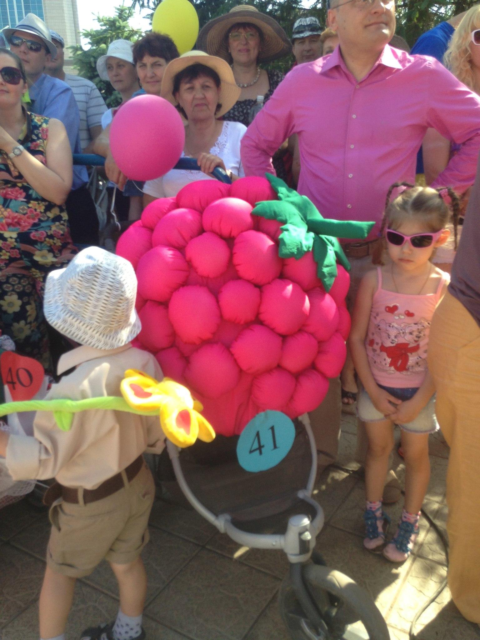 Парад колясок 2014 (19 июля) - Страница 2 XFCAmDJuQNY