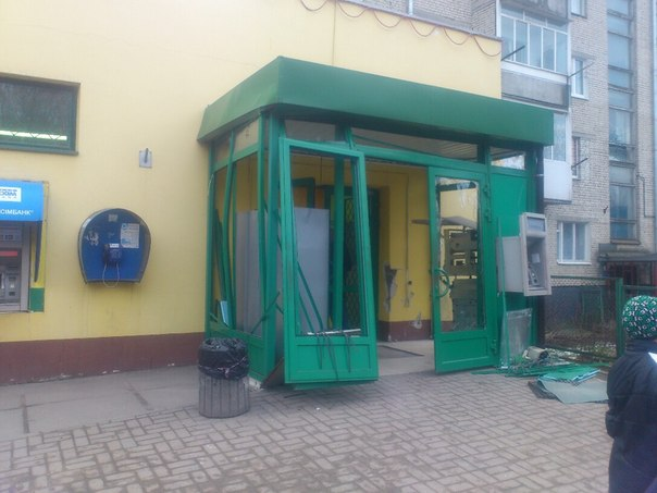 У Львові невідомі підірвали двері супермаркету
