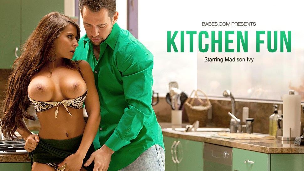 Сексуальное весеье на кухне