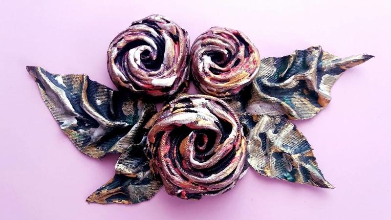 Trandafiri din material de blugi--Roses made of jeans material