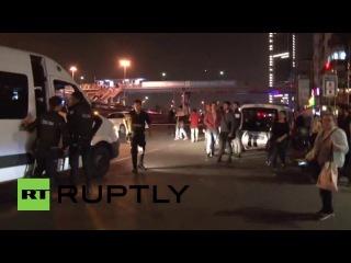 Турция: По крайней мере, 3 получили ранения после того взрыва скал центре Стамбула.