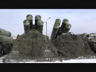 В Хабаровском крае на боевое дежурство заступила новая ЗРС С-400 зенитного полка ВВО