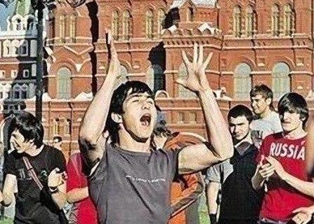 Москвичи отпраздновали Ураз-байрам: на улицы столицы РФ вышли 200 тысяч мусульман - Цензор.НЕТ 5091