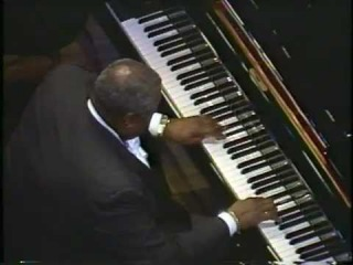 ♫ I can't get started with you / Oscar Peterson