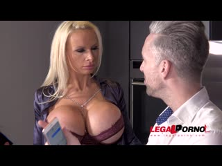 Busty sex crazed milf sophie anderson gets her tight ass dap'ed by 3 cocks fs035