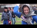 Девушки и фланкировка казачьей шашкой. Русь