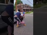FUNNY ONE FAT GIRL BEAT UP TWO SKINNY GIRLS