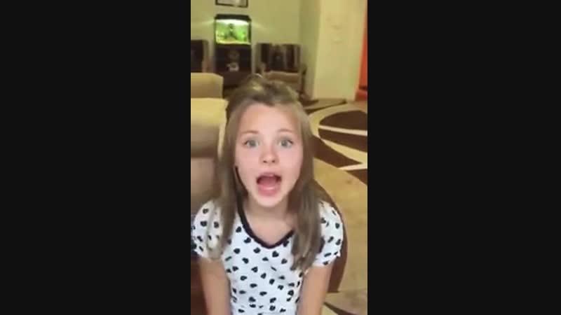 طفلة روسية تتلو آيات الكرسي تجنننننن ما شاء الله(480P).mp4