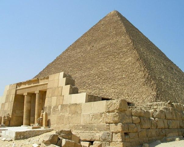 Піраміди Єгипту з бетону