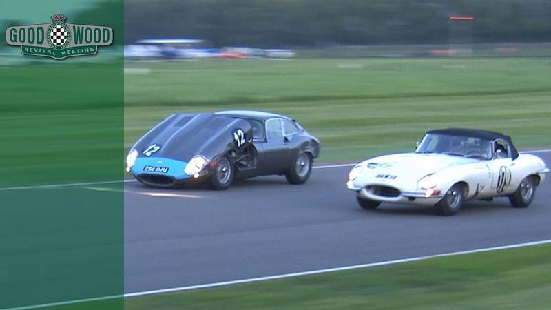 Incredible blind overtake after E-type bonnet comes off