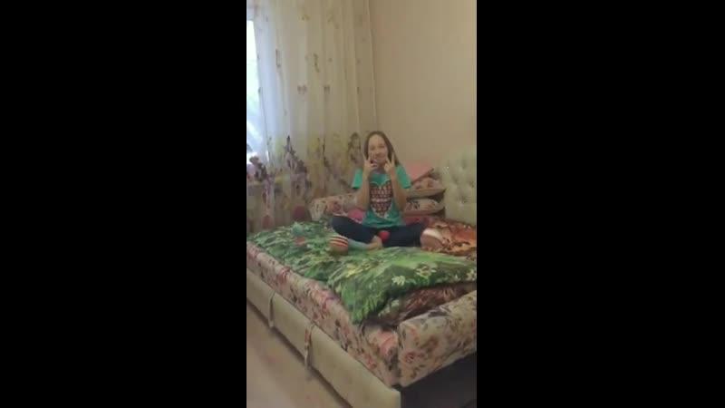 Замедляла видео Даша т.к. у неё айфон, а накладывала музыку и объединяла все эти видео я...