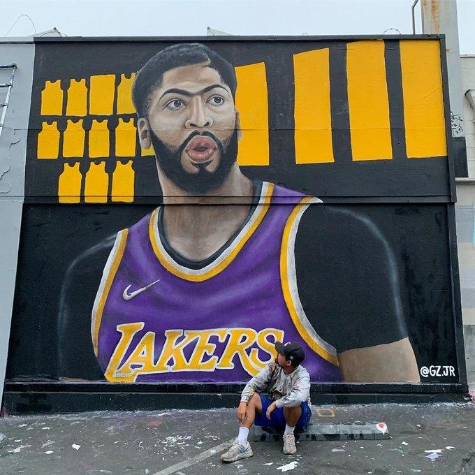 В Лос-Анджелесе появилось граффити с Энтони Дэвисом