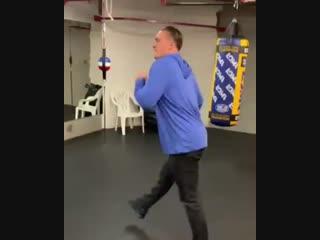 Александр Усик танцует | BoxingRoom