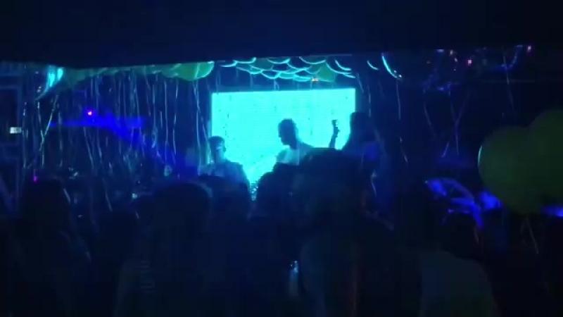 Мы никогда не останавливаемся🔥 Пьём и танцуем до самого утра❗️💣