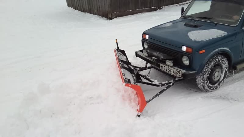 Снегоуборочный отвал на ВАЗ-21214 (LADA 4х4)
