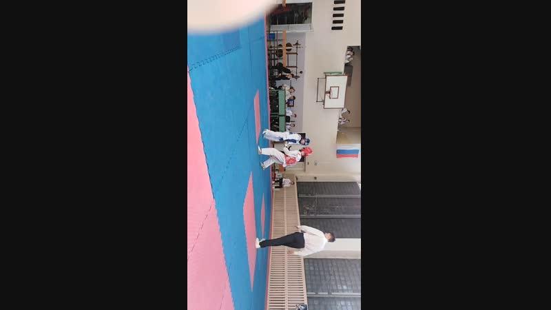 Соревнования в Абакане по тхэквондо первый бой я синий.