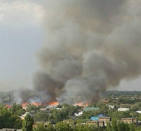 В Таганроге произошел крупный пожар на улице Циолковского. ФОТО