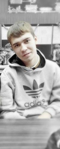 Антон Хлынов