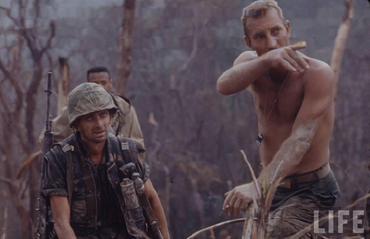 guerre du vietnam - Page 2 4nmfOg-lETc