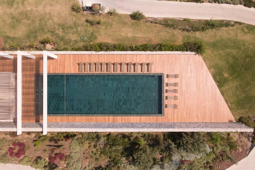 Один из бассейнов в Six Senses Kaplankaya