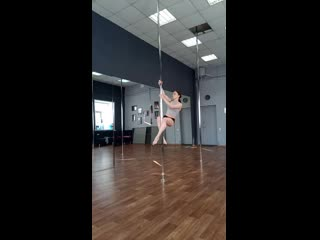 Тренер анастасия, pole dance studio cats
