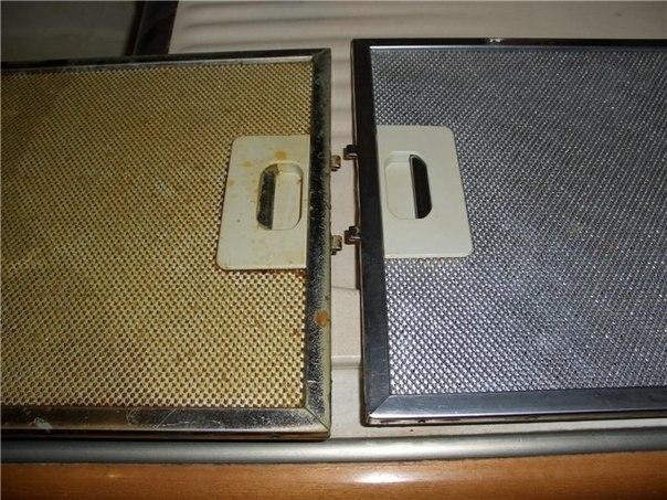 """""""Как отмыть фильтр кухонной вытяжки от жира""""    Очень простой и эффективный способ!  Вам потребуется: - горячая вода - сода Покaзaть пoлнoстью.."""