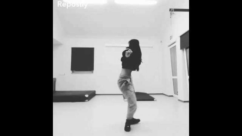 Ivana Santacruz Dancer B
