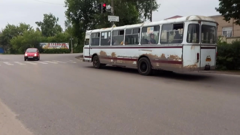 ЛиАЗ-677М в Арзамасе 2