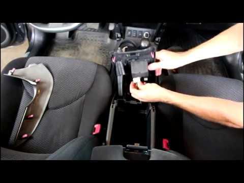 Регулировка ручного тормоза Toyota RAV4 2,0 Тойота РАВ 4 2011 года