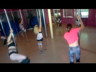 Exotic Poledance тренировка в PoleDeluxe. Группа новички.