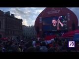 Billys Band выступает в фан-зоне на Конюшенной площади
