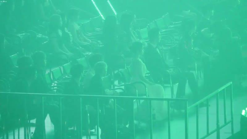 181128 트와이스(TWICE),아이유(IU),워너원 방탄소년단 (BTS) - FAKE LOVE Reaction [4K] 직캠 (Asia Ar