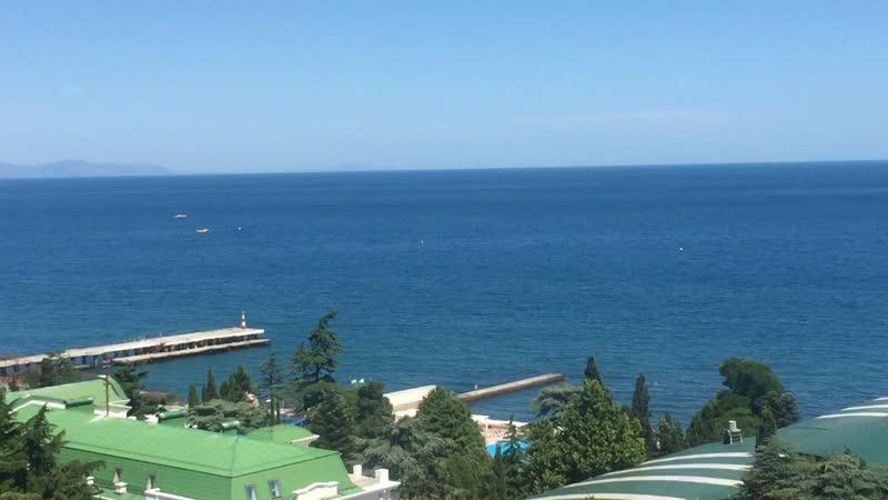 А из нашего окна море чёрное видна 🤣