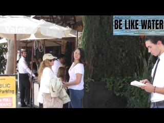 20 сентября 2018; Беверли-Хиллз, США: Лана со знакомой и Тейлор Бэгли покидает ресторан «Il Pastaio»