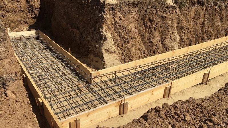 Заливка подошвы подпорной стенки