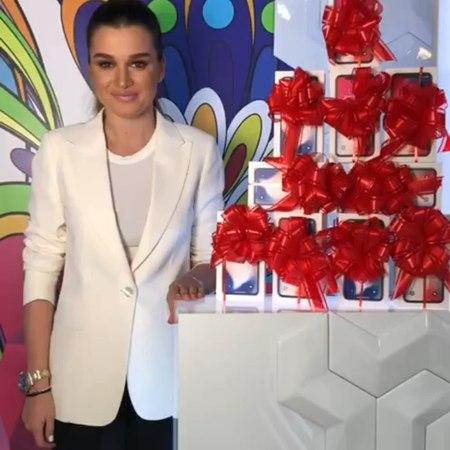 Ксения Бородина on Instagram Выиграй ДЕСЯТЬ самых модных самых дорогих iPhone X БЫСТРЕЕ переходи на страницу ➡ @10 podarkov tebe ⬅ и просто по смотреть онлайн без регистрации