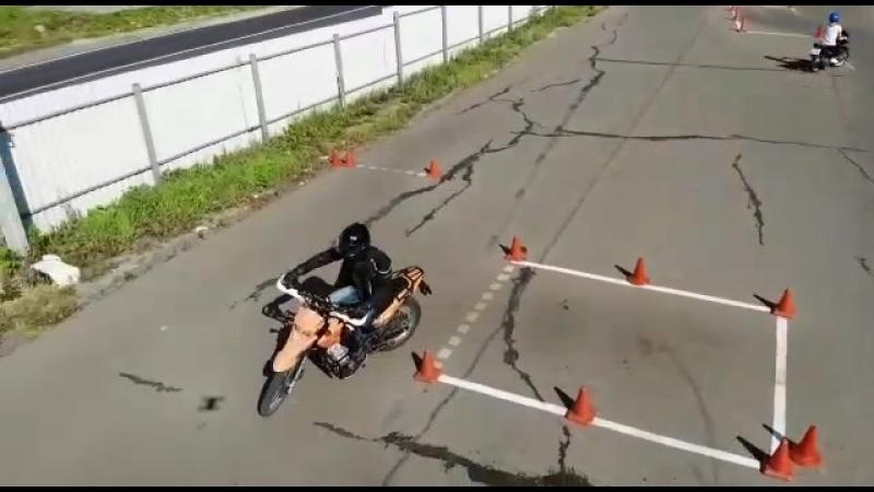 Занятия на автодроме