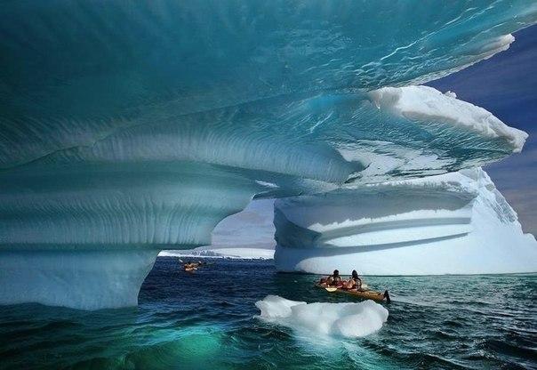 Айсберг у побережья, Аляска, США