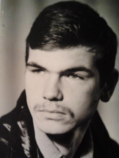 Олег Петров, 4 апреля 1962, Санкт-Петербург, id200690409