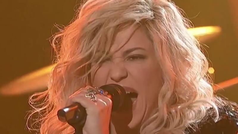Шакира с Жюри рвет зал в щепки на ГОЛОС США!