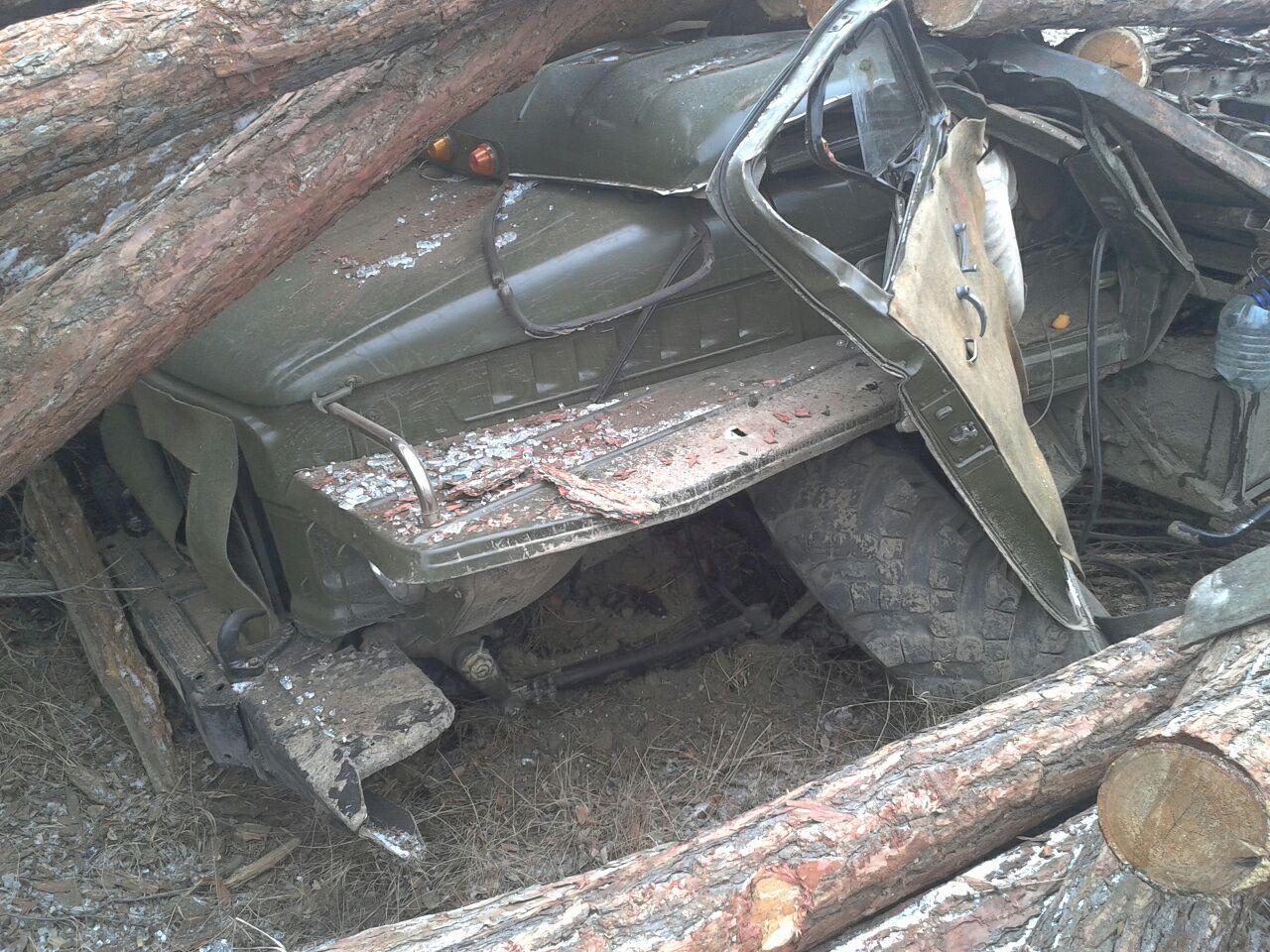 ДТП в Хангаласском улусе: водителя грузовика задавило бревнами