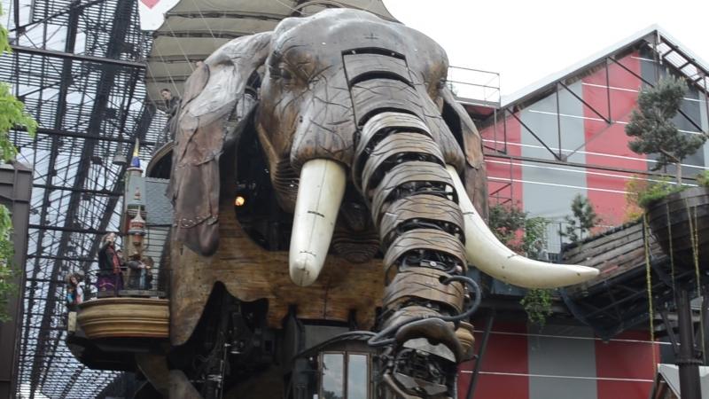 Большой механический слон Нанта (Le Grand Éléphant) находится на «Острове Машин»(Les Machines de l'île)