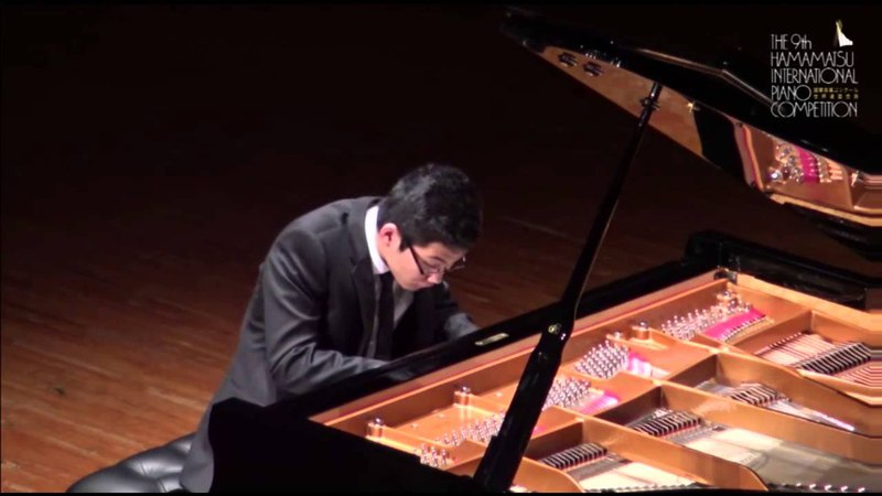 Kenji Miura plays Haydn Sonata in C-sharp minor, Hob.XVI 36 - 1. Moderato