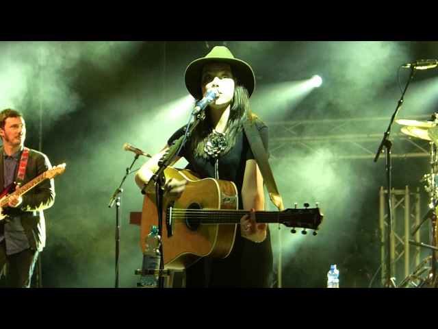 Amy MacDonald This Is The Life HD live in Kufstein 2013