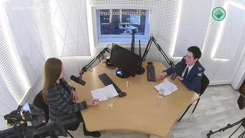 Студия 102.4 FM. Начальник отдела по работе с налогоплательщиками Елена Иванова