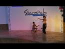 маленький араб зажигает с танцовщицей живота жаль что взрослых не успела снять :-D