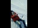 ШОК! Ребенок провалился под снег, а его друг снял все на видео!