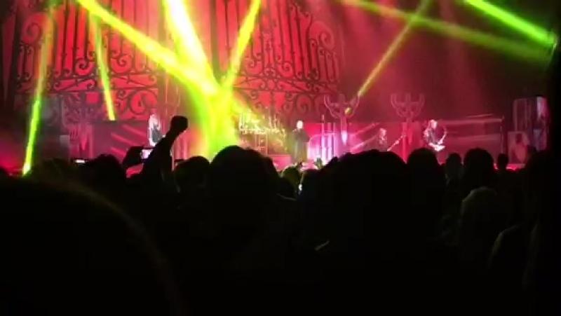 Judas Priest - Saints In Hell (Live)